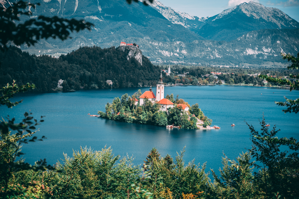 Словения и Италия дарят своим гражданам ваучеры на внутренний туризм.Вокруг Света. Украина