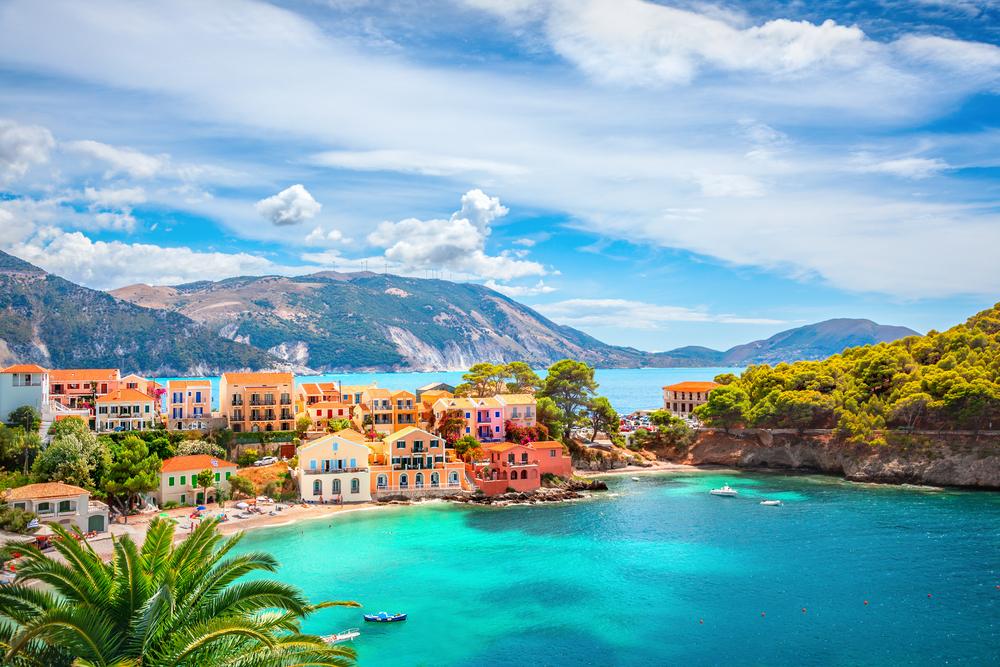 Какие европейские страны откроются для туристов летом 2020