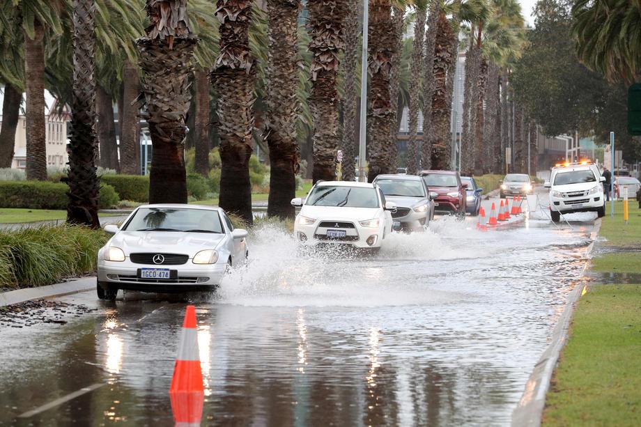 Западную Австралию накрыл мощнейший шторм