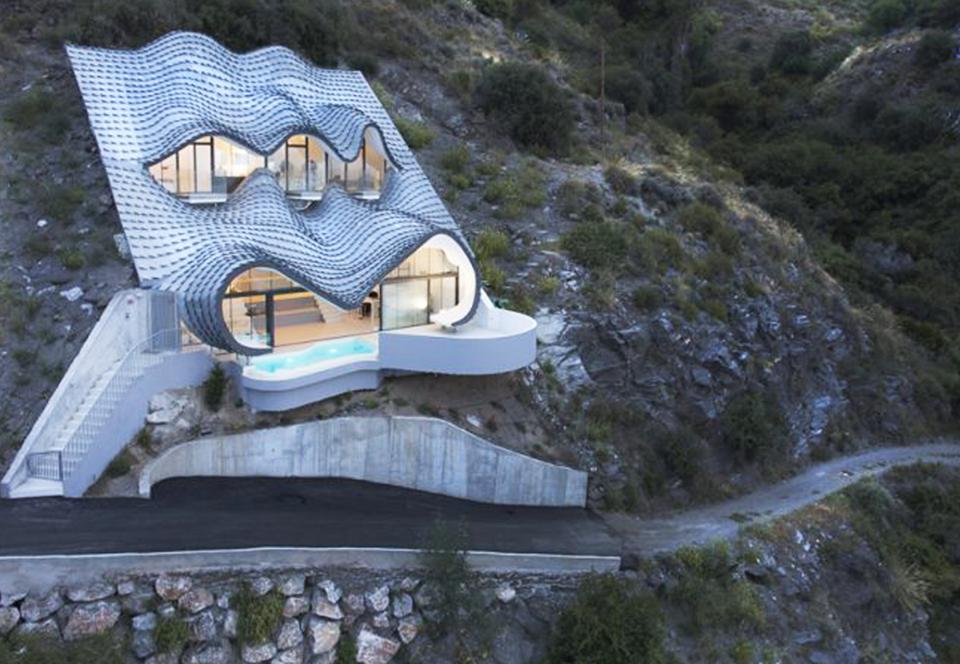 Топ-5 домов, построенных в самых странных местах