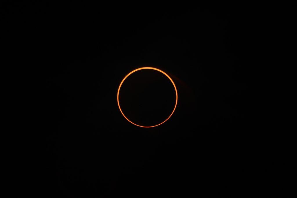 Как выглядело затмение «Огненное кольцо»: впечатляющие фото