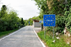Италия первой из европейских стран полностью открыла границы
