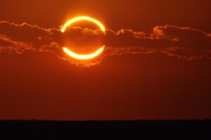 Когда и где смотреть солнечное затмение «Огненное кольцо»