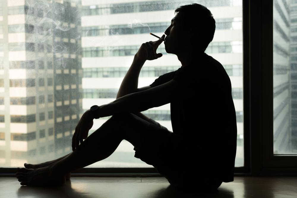 Kурение усиливает чувство одиночества