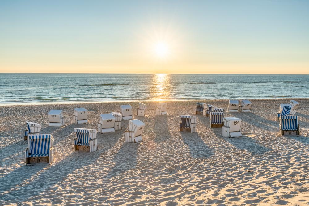 Названы самые безопасные пляжи Европы для отдыха летом 2020