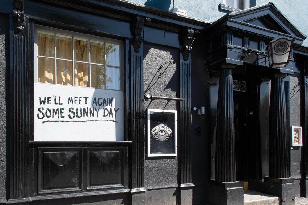 Новые правила для баров в Англии: анонимам не наливать.Вокруг Света. Украина