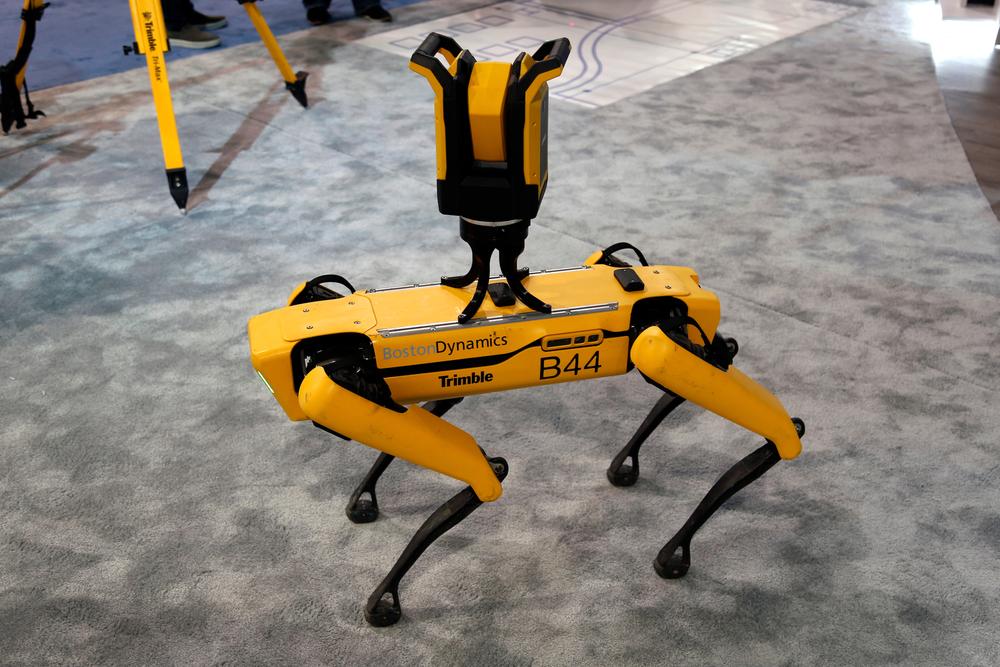В США начали продавать роботов-собак Boston Dynamics.Вокруг Света. Украина