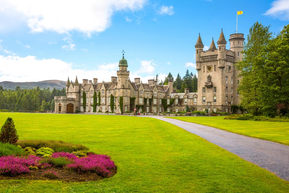 В резиденции Елизаветы II от туристов потребовали соблюдения приличий