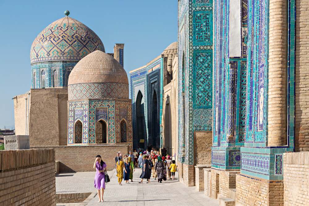 Узбекистан выплатит компенсацию туристам, если они подцепят там COVID-19