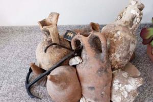В испанском продуктовом магазине нашли древние амфоры