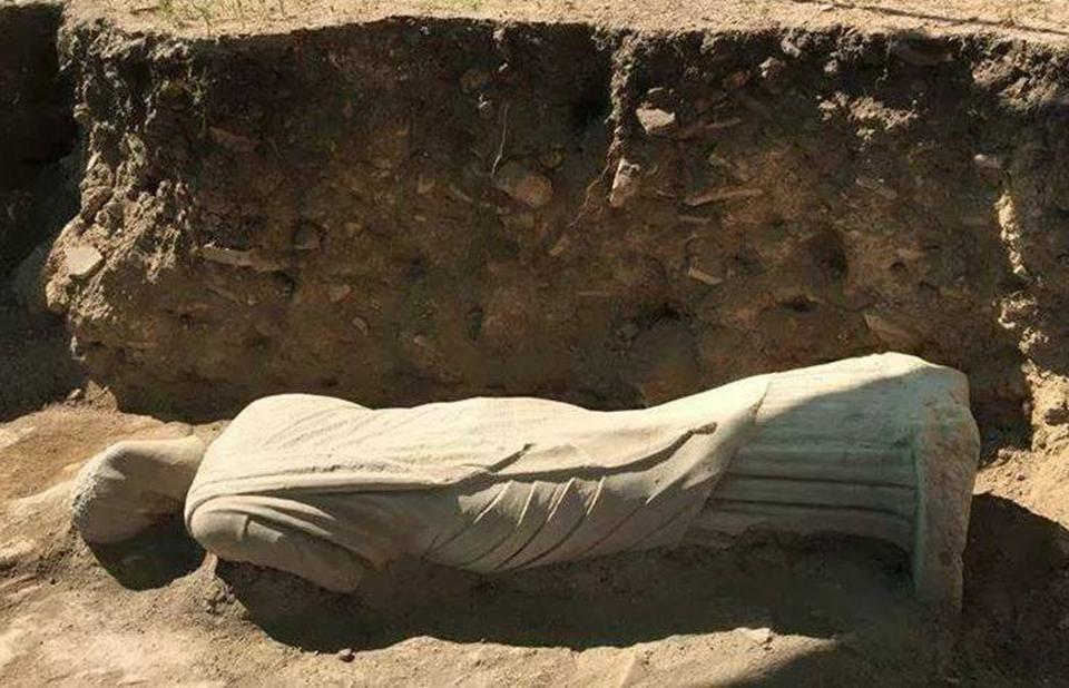В Турции раскопали 1700-летнюю статую женщины.Вокруг Света. Украина
