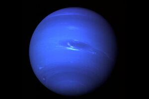 Ученые доказали, что на Нептуне идут дожди из алмазов