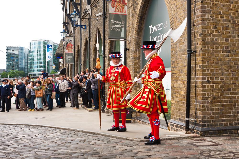 Лондонский Тауэр больше не будут охранять бифитеры