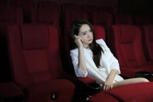 Власти Китая запретили показывать в кино чудесные сцены исцеления