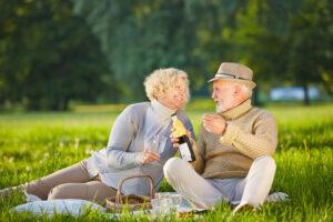 Умеренный прием алкоголя в преклонном возрасте улучшает работу мозга – исследование