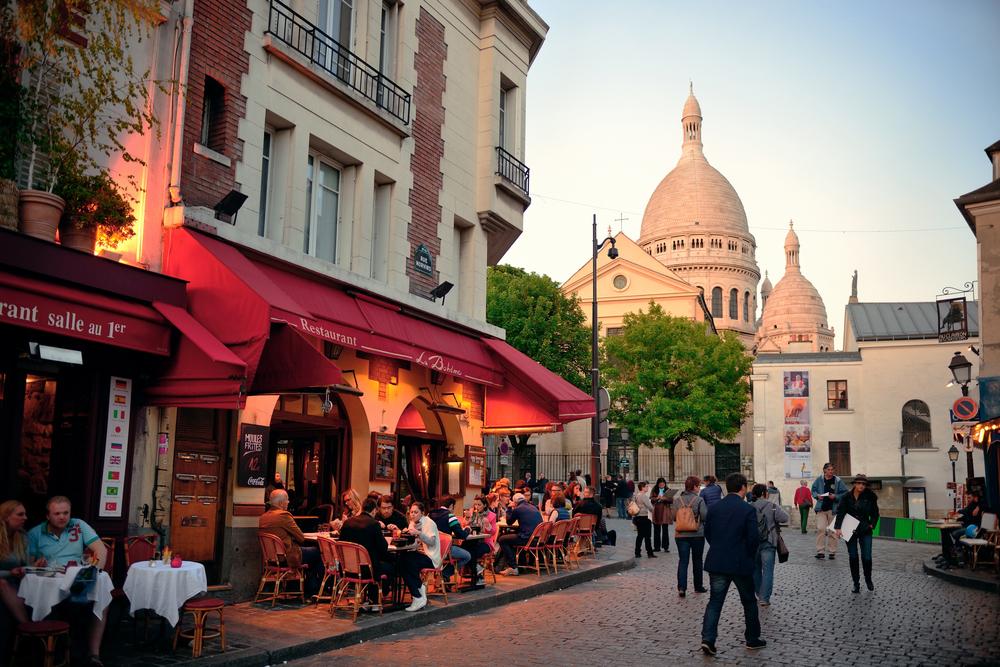 Во Франции запретят обогреватели на террасах кафе.Вокруг Света. Украина