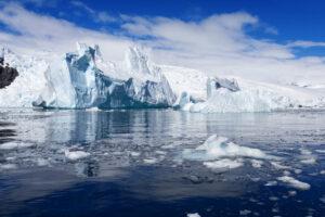 Тандем спутников NASA и ESA измерит льды Антарктики