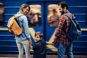 Изучение ближайших окрестностей повышает настроение так же, как дальние поездки