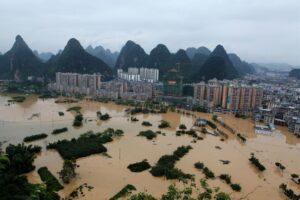 В Китае подсчитали ущерб от сильнейшего наводнения