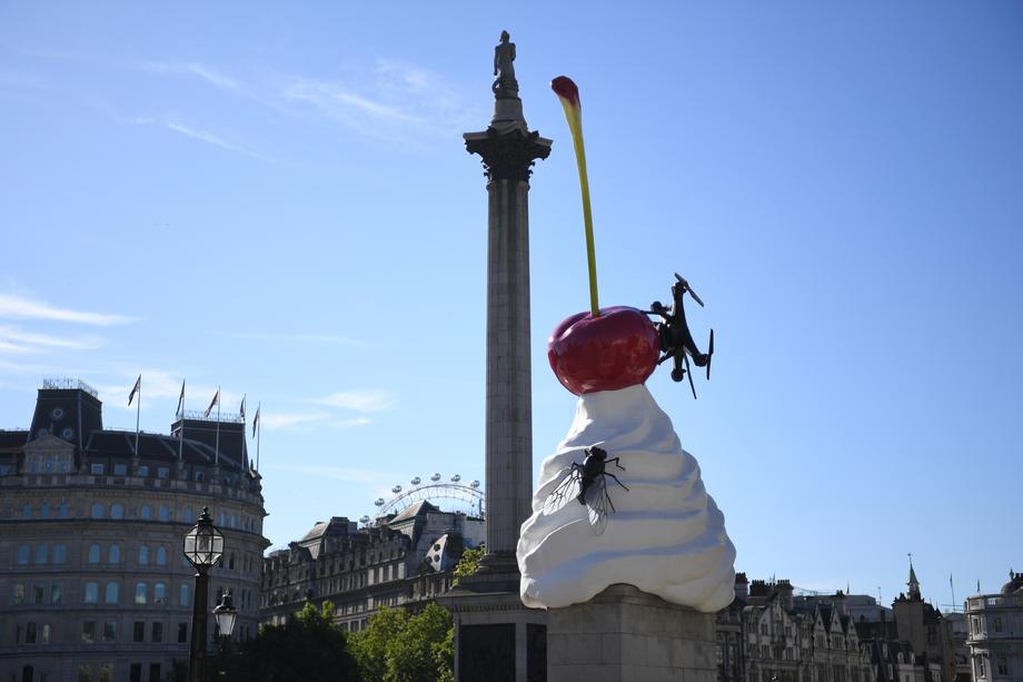 Дрон на вишенке: в центре Лондона появилась новая скульптура.Вокруг Света. Украина