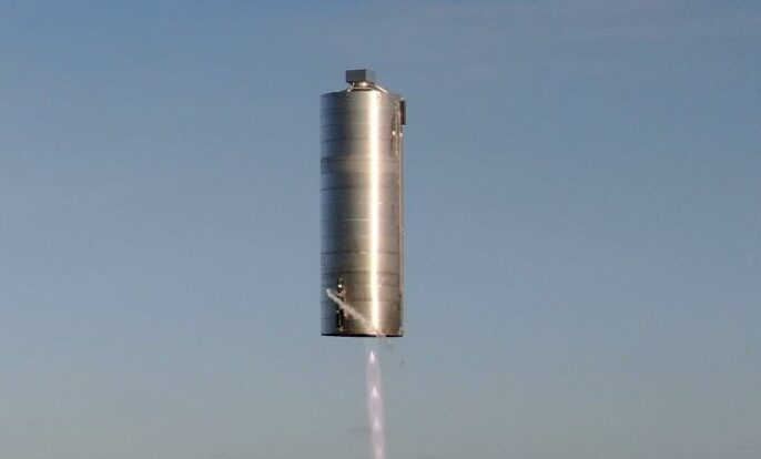 SpaceX провела успешные испытания корабля для полетов на Марс (видео)