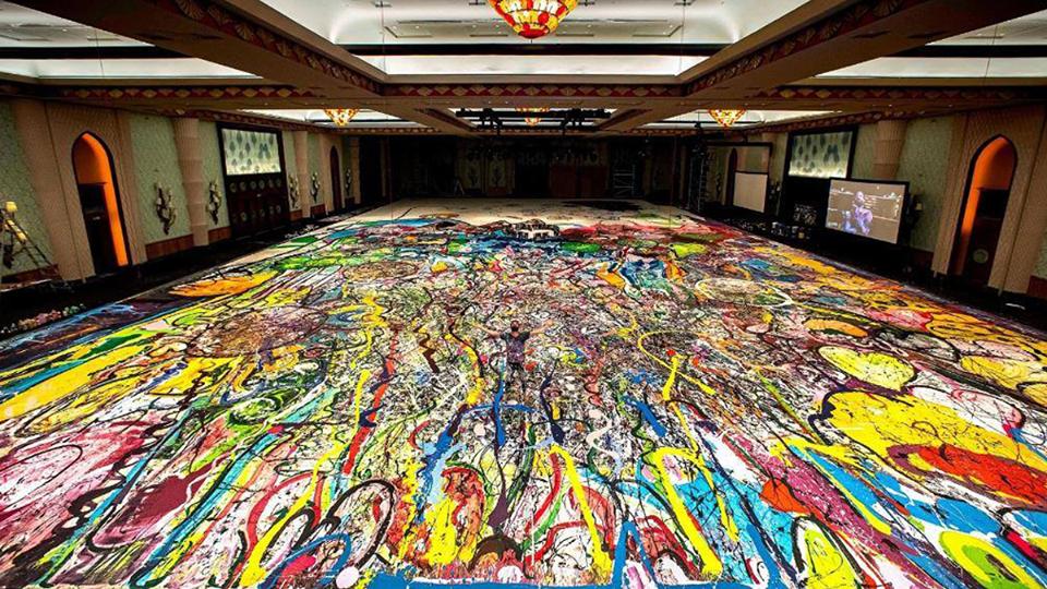 Британец напишет в Дубае самую большую картину в мире