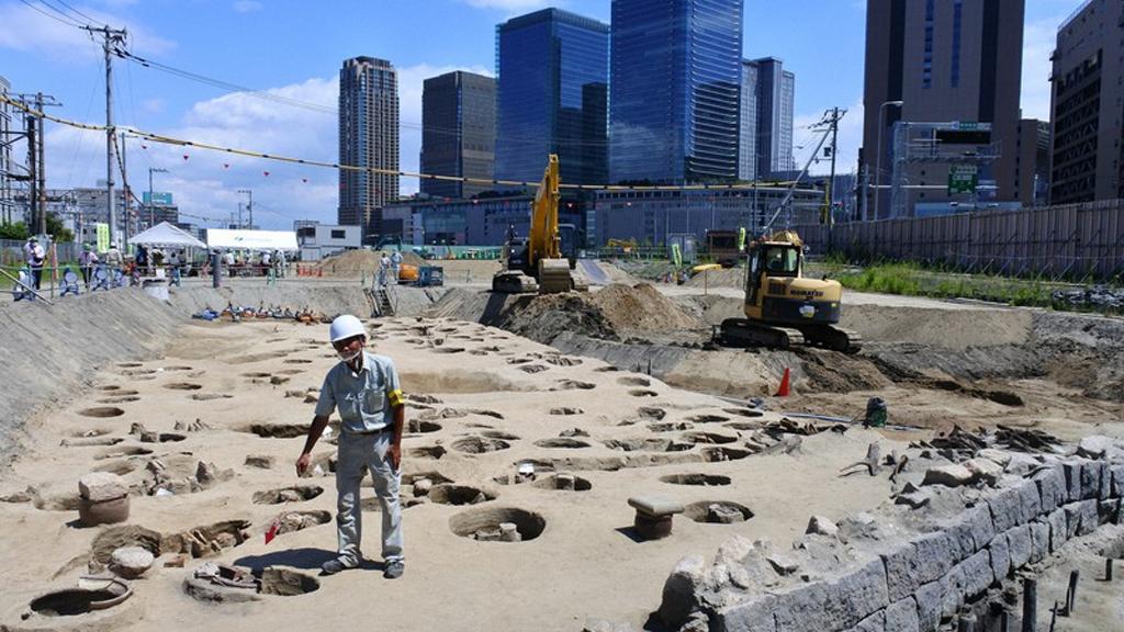 В Японии случайно нашли странное кладбище XIX века