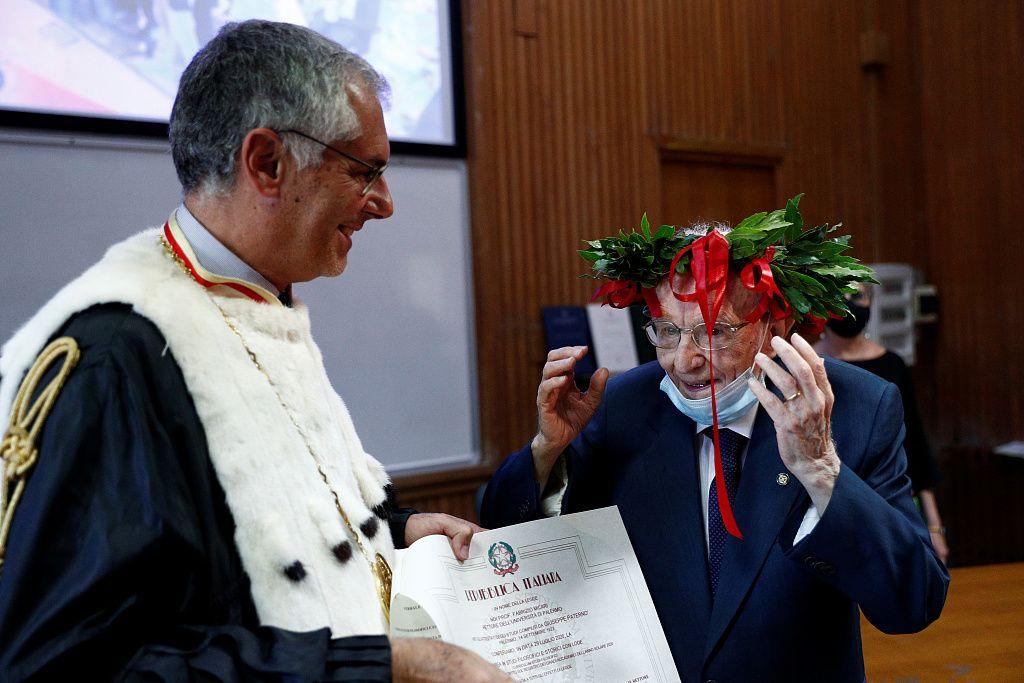 96-летний итальянец окончил университет.Вокруг Света. Украина