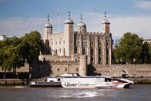 Альтернатива метро: лондонцы добираются на работу по Темзе на Uber Boat
