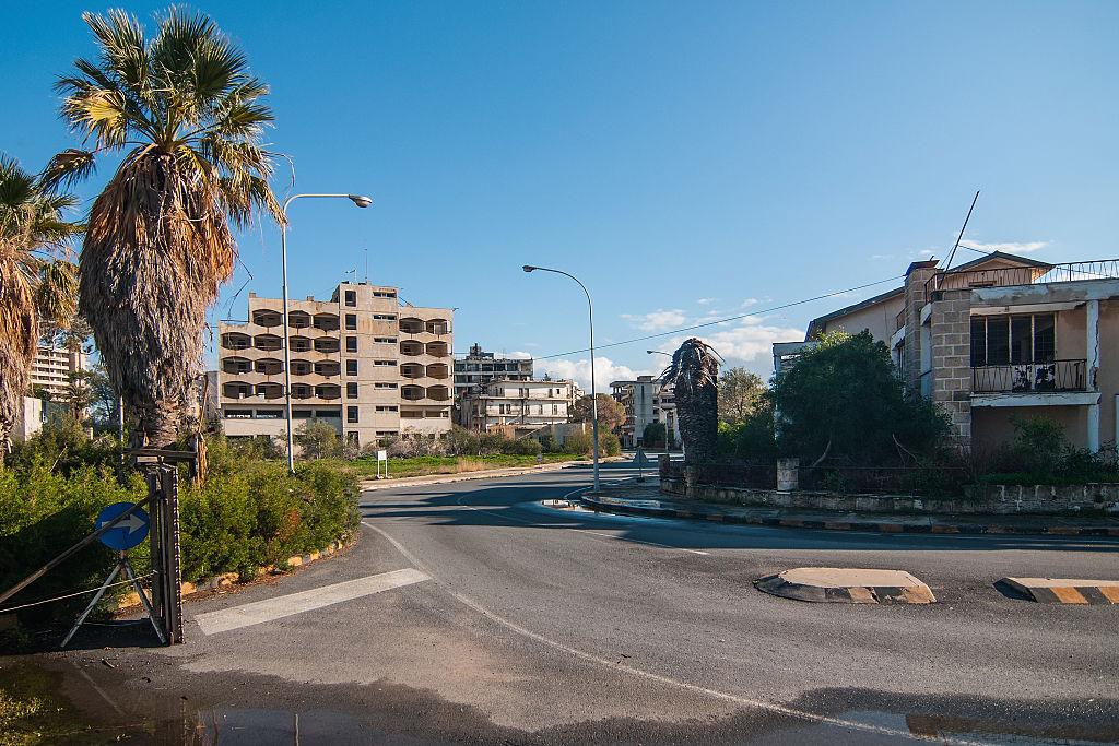 Курортный город-призрак на Кипре откроют впервые за 46 лет