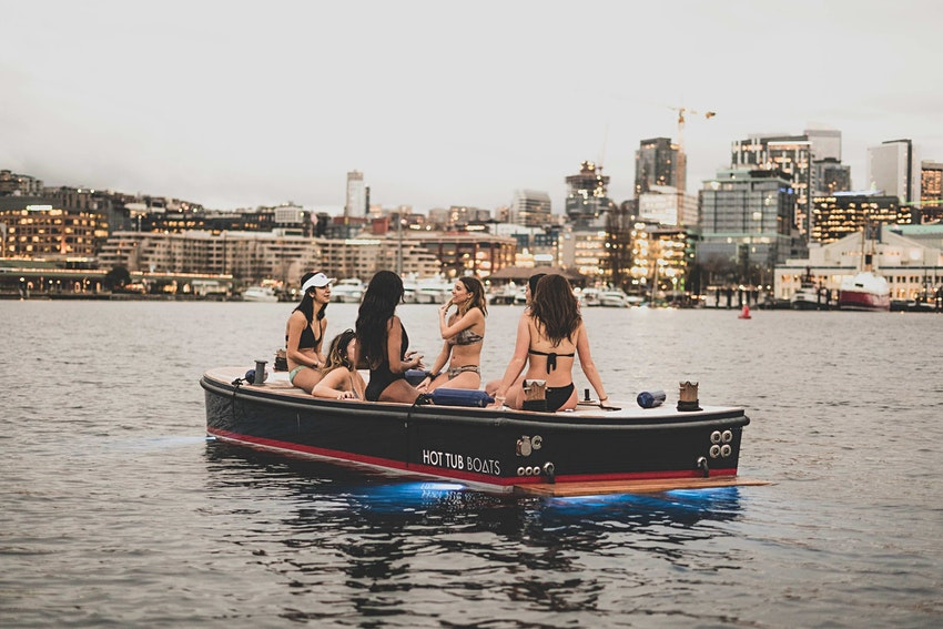 лодка-джакузи