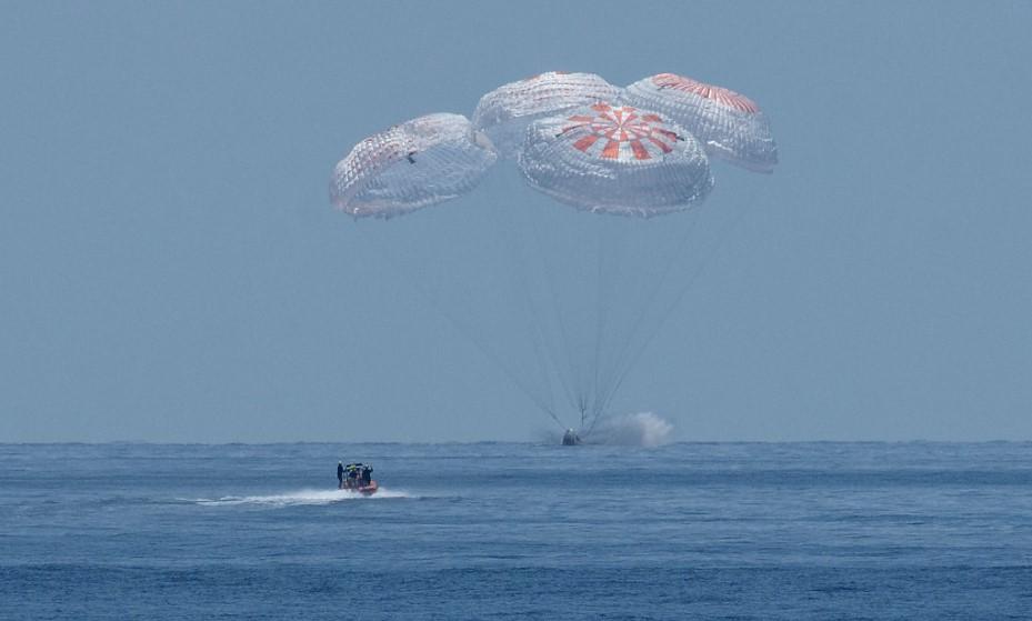 Историческое приводнение: Crew Dragon вернулся на Землю.Вокруг Света. Украина