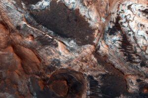 Ученые подвергли сомнению существование рек на Марсе