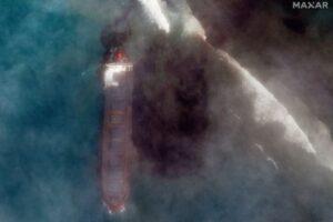 Экологическая катастрофа: разлив нефти у берегов Маврикия виден из космоса