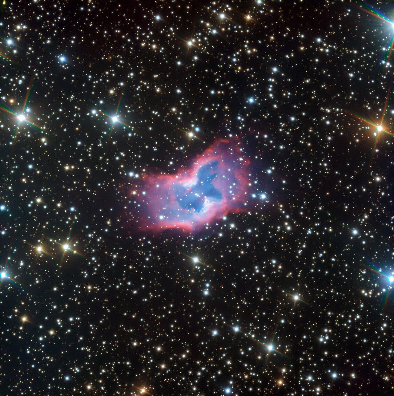 Телескоп VLT запечатлел «космическую бабочку»