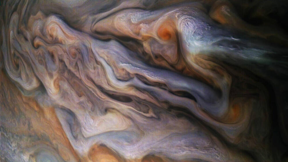 В облаках Юпитера бьют экзотические молнии.Вокруг Света. Украина