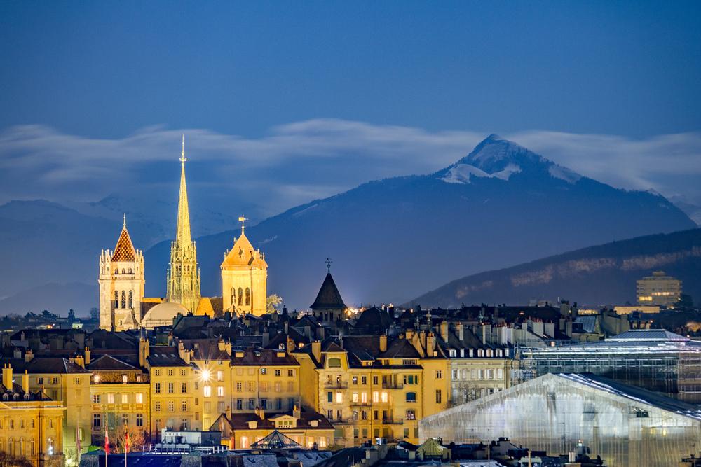 Женева дарит туристам 100 франков за визит
