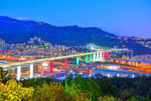 В Генуе открыли новый мост на месте обвала старого