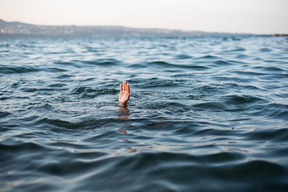Мальчик выжил в открытом море благодаря правилам из телешоу