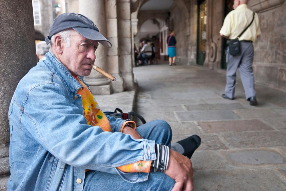 В Испании ограничивают курильщиков для борьбы с коронавирусом