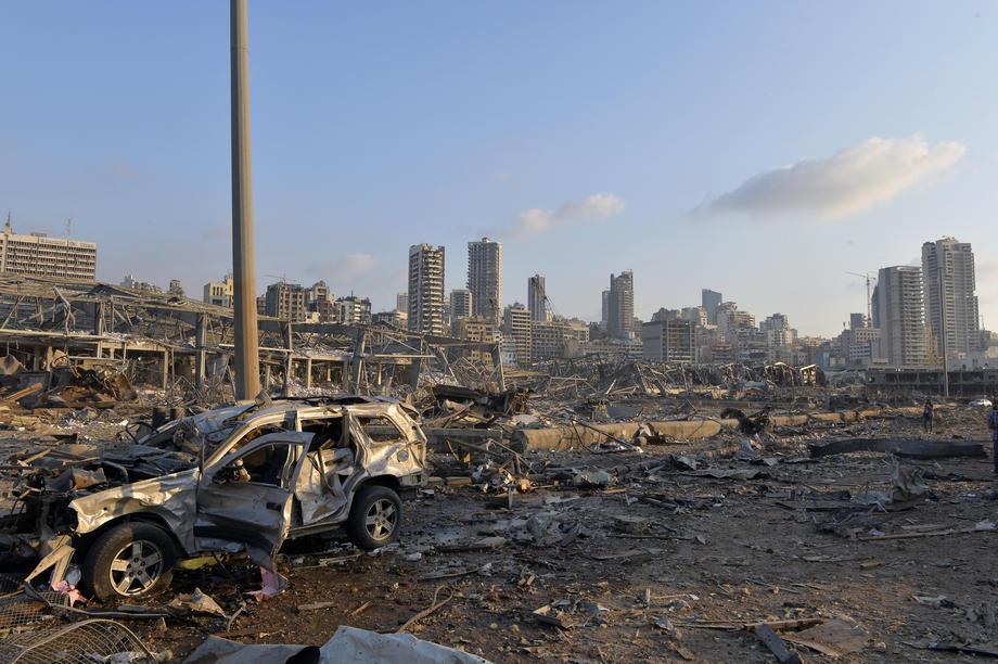 Взрыв в Бейруте: столица Ливана лежит в руинах