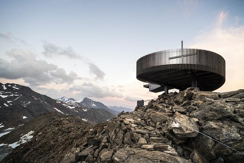 На леднике Граванд в Альпах открыли смотровую площадку