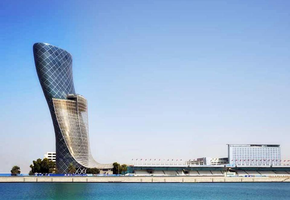 «Ворота столицы» в Абу-Даби – главная падающая башня мира