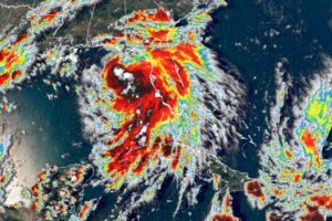 Второй раз в истории: в Атлантике одновременно бушуют пять тропических штормов