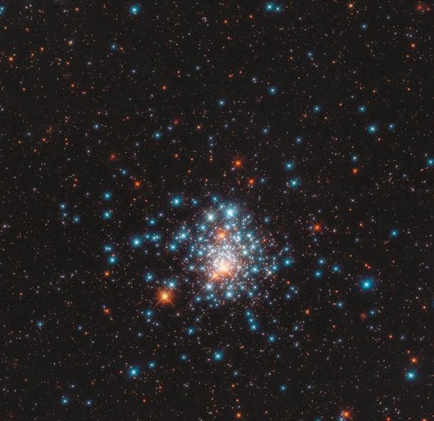 Hubble снял звездный улей.Вокруг Света. Украина