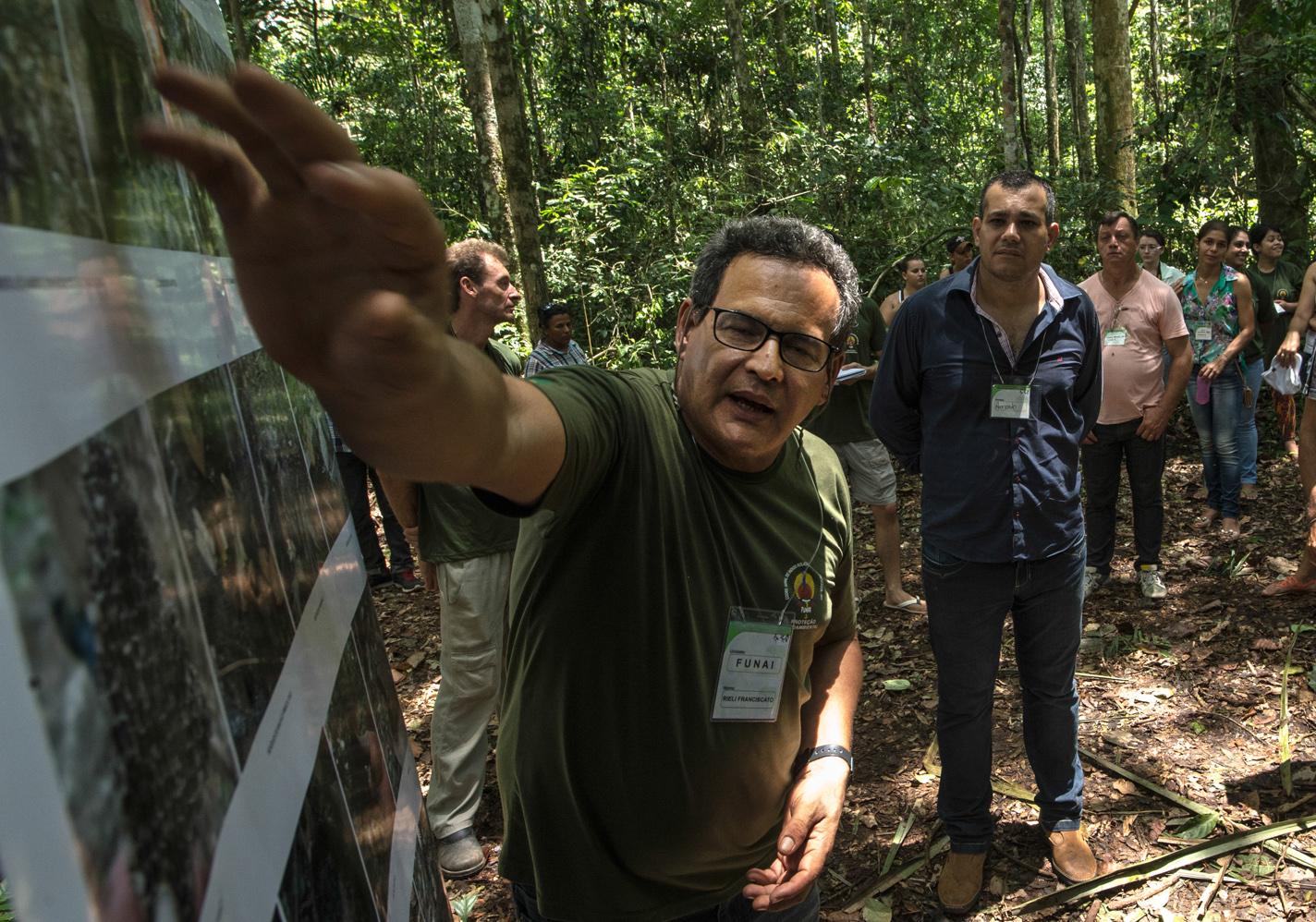 Эксперт по племенам Амазонии убит в Бразилии стрелой аборигена