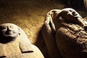 В Египте  в шахте обнаружили кладбище возрастом 2500 лет