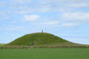 В каменном веке покойников хоронили в домах-перевертышах