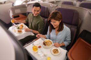 Сингапурская авиакомпания превратила самолет в ресторан на уик-энд