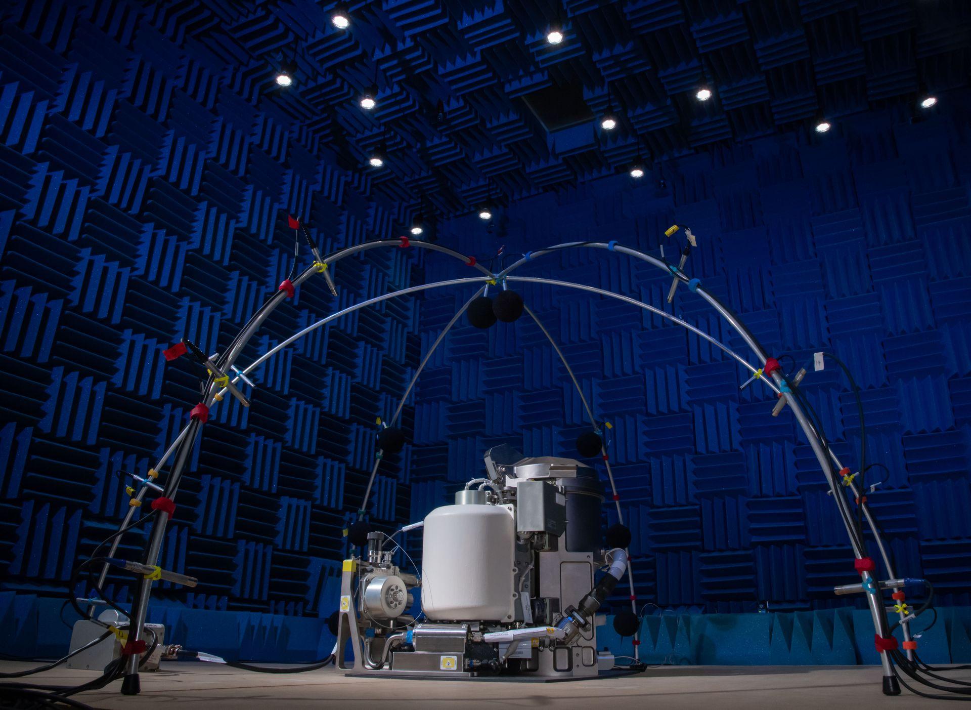 NASA представило новый космический туалет